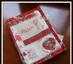 Red and White patchwork and stitchery Needle Case, Needle Book, Notebook Covers, Journal Covers, Sewing Tools, Sewing Projects, Embroidery Applique, Embroidery Stitches, Art Textile