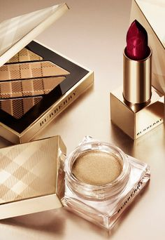 Complete your festive beauty look with Burberry make-up in gold shimmer tones. Perfume Parfum, Burberry Makeup, Makeup Room Decor, Cosmetic Design, Armani Watches, Best Lipsticks, Cosmetics & Perfume, Makeup Photography, Store Displays