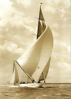 Famous America's Cup Yachts and Sailboat Models Classic Sailing, Classic Yachts, J Class Yacht, Sailboat Racing, Yacht Boat, Sail Away, Tall Ships, Water Crafts, Belle Photo