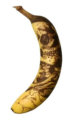 Skull with Burning Cigarette by Vincent van Gogh reproduced by Phil Hansen on a banana. #banana #art