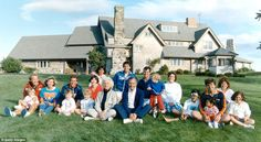 Portrait of the Bush family in front of their Kennebunkport, Maine home in 1986. BACK ROW:...