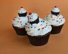 """miniature reese's peanut butter cup """"cupcakes"""""""