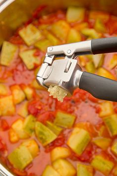 Hawaiian Pizza, Can Opener, Cooking Recipes, Canning, Vegetables, Food, Chow Chow, Fine Dining, Salads
