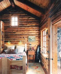 Modern Home Decor Tips To Make Any Home Look Fabulous Log Home Designs, Rustic Home Design, Tiny House Cabin, Log Cabin Homes, Cabin Interiors, Rustic Interiors, Bed Design, House Design, Little Cabin
