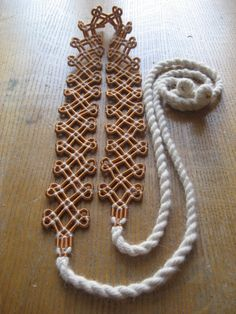 Items similar to Bronze Spiral Belt - Estonian Ancient Jewelry - Copper Wire and White Wool on Etsy Viking Jewelry, Ancient Jewelry, Copper Jewelry, Viking Dress, Viking Knit, Viking Embroidery, Historical Women, Historical Photos, Diy Tassel