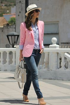 Discover and organize outfit ideas for your clothes. Decide your daily outfit with your wardrobe clothes, and discover the most inspiring personal style Rosa Blazer Outfits, Chic Outfits, Trendy Outfits, Fashion Outfits, Preppy Mode, Preppy Style, My Style, Fashion Mode, Work Fashion