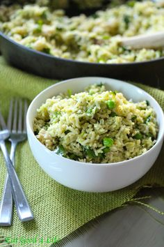 Avocado lime and cilantro rice. Much better than take out. This one is made with brown rice. #glutenfree #vegan #cleaneating