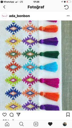 1 million+ Stunning Free Images to Use Anywhere Cross Stitch Pillow, Stitch Book, Cross Stitch Borders, Cross Stitch Flowers, Modern Cross Stitch, Cross Stitch Charts, Cross Stitch Designs, Cross Stitching, Cross Stitch Embroidery
