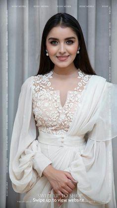 Indian Gowns Dresses, Indian Fashion Dresses, Dress Indian Style, Indian Designer Outfits, Stylish Sarees, Stylish Dresses, Elegant Dresses, Beautiful Dresses, Stylish Dress Designs
