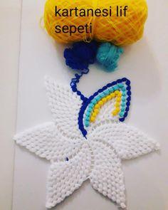Crochet Booties – How to Crochet a Baby Blanket Crochet Booties – How to Crochet a Baby Blanket Baby Knitting Patterns, Crochet Blanket Patterns, Craft Patterns, Baby Blanket Crochet, Crochet Baby, Hand Crochet, Crochet Doilies, Crochet Flowers, Rainbow Crochet