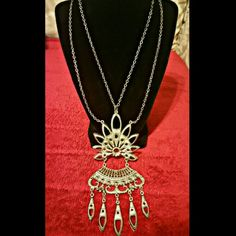 Vintage Necklace Beautiful statement piece, worn many times and it is still in perfect condition, I just don't wear it as often b/c I have too much jewelry at this point, purchased from an antique shop a while back Jewelry Necklaces