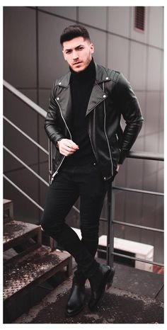 Macho Moda - Blog de Moda Masculina: 7 LOOKS MASCULINOS MATADORES para ENCONTROS (Se vista pra Conquistar!) Black Chelsea Boots Outfit, Black Leather Jacket Outfit, Biker Jacket Outfit, Black Outfit Men, Outfit Jeans, Jacket Men, Leather Jacket For Men, Men's Leather Jackets, Black Men