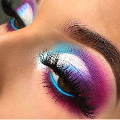 Me gusta, 17 comentarios – Beauty Bakerie Cosmetics Brand (Dorthea Lamothe… - Makeup Looks Dramatic Pretty Eye Makeup, Makeup Eye Looks, Dramatic Eye Makeup, Colorful Eye Makeup, Beautiful Eye Makeup, Cute Makeup, Smokey Eye Makeup, Eyeshadow Makeup, Makeup Brushes