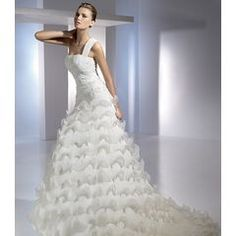 it´s like a dream :D Gorgeous Wedding Dress, Beautiful Bride, S Pic, Dress Making, Bridal Dresses, One Shoulder Wedding Dress, Marie, Ivory, My Style