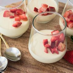 Easy Vanilla Panna Cotta 🍓 Or as I like to call it - Jar filled with creamy goodness 😛 Vanilla Panna Cotta, Easy Baking Recipes, Sweet Life, Jar, Ethnic Recipes, Food, Dolce Vita, Essen, Meals