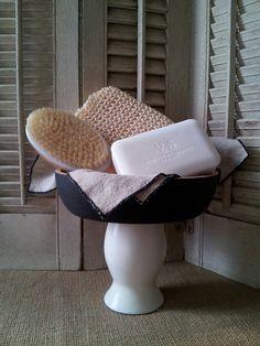 Charming wood bowl on pedestal, chalkboard bowl, farmhouse chic, wood fruit bowl, rustic wood caddy