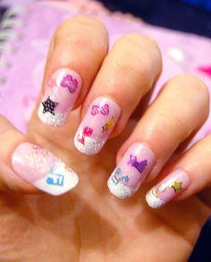 Eu ja postei alguma imagens de unhas para Fairy Kei, mas aqui eu separei todas as imagens legais que eu ja achei. Espero que vocês gostem de...