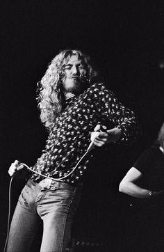robert plant younger days at DuckDuckGo Robert Plant Led Zeppelin, Great Bands, Cool Bands, John Paul Jones, John Bonham, Greatest Rock Bands, New Wave, Into The Fire, Rock Groups
