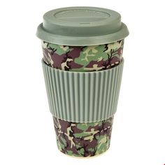 A great choice for a gift, or simply as a treat for yourself, this khaki and camouflage design bamboo travel mug comes with a silicone lid and Camouflage, Cappuccino Cups, Fibre, Travel Mug, Mugs, Tableware, Dimensions, Sleeve, Products