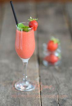 Aylya A | strawberry shake