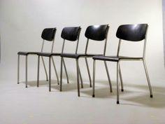 """""""Kramer-Stuhl"""", Werksentwurf der Fa. Eron der 50er Jahre Ferdinand Kramer für die Erstausstattung der Goethe-Universität in den 60er Jahren."""