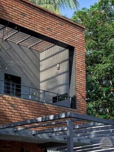 Brick house is definitely a popular home exterior material. As you can see below, the result is nothing short of spectacular exteriors. Brick House Designs, House Front Design, Brick Design, Modern Brick House, Home Building Design, Brick Building, Wall Exterior, Exterior Design, Brick Architecture