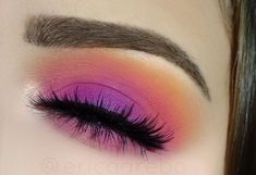 """Colorful spring makeup BROWS: Anastasia Beverlyhills brow wiz """"chocolate"""" SHADOWS: Nyx ultimate brights palette LASHES: House of Lashes """"noir fairy"""" BRUSHES: Sigma #eotd #lashesmakeup #fairymakeupideas"""