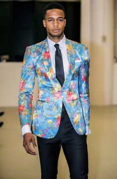 Printed Blazer with bold solid colors Sharp Dressed Man, Well Dressed Men, Bcbg, High Fashion, Mens Fashion, Fashion Trends, Printed Blazer, Blazers For Men, Dress To Impress