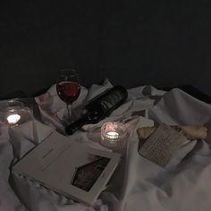 Night Aesthetic, Aesthetic Themes, Aesthetic Pictures, Aesthetic Dark, Vs Rosa, Dark Feeds, Dark Paradise, Sombre, In Vino Veritas