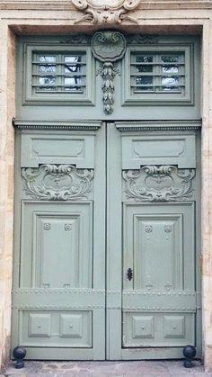 Double doors in Paris.