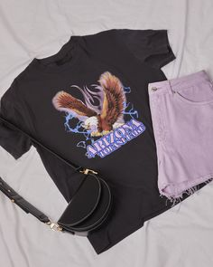 Our Arizona eagle print T-Shirt in black will add some cool, rock and roll edge to your outfit. Channel the Americana vibe by pairing this tee with some lilac or colourful denim and a saddle bag. Bright Summer Outfits, Trendy Outfits, Cute Outfits, Topshop Style, Topshop Outfit, Bodak Yellow, Eagle Print, Aesthetic Black, Denim Bag