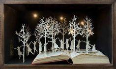Su Blackwell, book sculpture artist, The Twelve Dancing Princesses, detail. Book Art, Up Book, Altered Books, Altered Art, Arte Pop Up, 12 Dancing Princesses, Dancing Girls, Paper Art Design, Art Postal