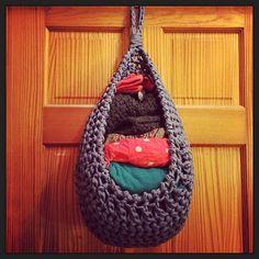 Ravelry: Hanging Basket (Large) - English pattern by Bekki Bjarnoll
