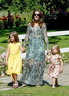 Graasten photocall July 24, 2014: Mary, Isabella and Josephine