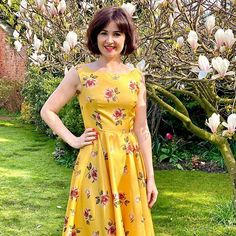 Sew Over It (@sewoveritlondon) • Instagram photos and videos Sew Over It, Happy Easter Everyone, Dress Sewing, Yorkshire, Easter Eggs, Sewing Patterns, Lisa, Short Sleeve Dresses, Fancy