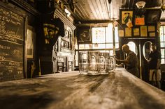 New York's 7 Most Iconic Bars 🗽 🍺 🚦 🌆 : https://botyapp.com/blog-new-york-iconic-bars/ #newyork #bars #blog