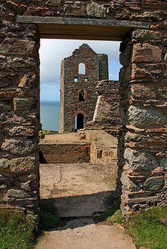 Old Tin Mine, Cornwall, England