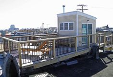 is this a possibility - and of so, is it possible to de-uglify it? - Rooftop Decks for Baltimore Rowhomes