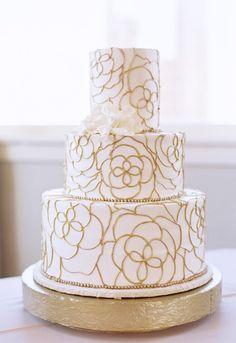 Featured Photographer: Stephanie Brazzle Photography; Wedding cake idea.