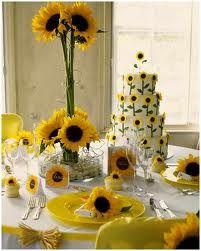 Para finalizar os dejo una mesa tematizada con girasoles para que os hagáis una idea de lo bonito y especial que puede ser tematizar la boda.