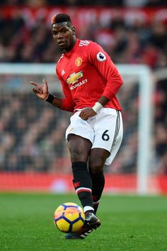 Paul Pogba could not beat Luke Shaw in the fitness tests Soccer Aid, Play Soccer, Soccer Snacks, Soccer Teams, Soccer Stuff, Pogba Wallpapers, Soccer Photography, Paul Pogba, Soccer Skills