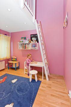 Trenger du idèer hvordan du skal pusse opp på barnerommet? Ett Rom Til maler om, bygger hems eller loft til dit barnerom