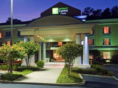 Emporia (VA) Holiday Inn Express Hotel & Suites Emporia United States, North America Set in a prime location of Emporia (VA), Holiday Inn Express Hotel & Suites Emporia puts everything the city has to offer just outside your doorstep. Both business travelers and tourists can enjoy the hotel's facilities and services. Free Wi-Fi in all rooms, facilities for disabled guests, Wi-Fi in public areas, car park, meeting facilities are just some of the facilities on offer. Designed fo...