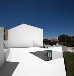 Gallery of House in Alcobaça / Aires Mateus - 15 Architecture Durable, Architecture Renovation, Architecture Résidentielle, Contemporary Architecture, Arch House, Small Buildings, Traditional House, Modern Design, House Design
