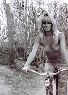 Brigitte Bardot // on a bike // bike ride // fashion icon // style idol // iconic women // 1970s // 70s