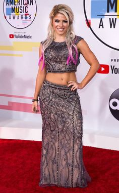 Alexa Bliss from 2018 American Music Awards Red Carpet Fashion The professional wrestler can't wait to see performances from Cardi B, Shawn Mendes, Taylor Swift and more talented artists. Hottest Wwe Divas, Wwe Raw Women, Alexis Bliss, Chloe Bennett, Lexi Kaufman, Wwe Girls, Wwe Female Wrestlers, Wrestling Divas, Raw Women's Champion