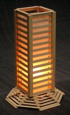 Luminária com palitos de picolé