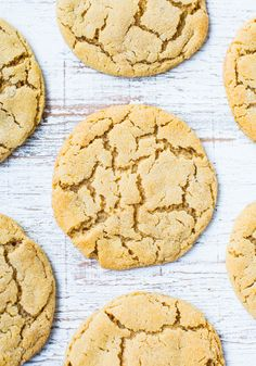 Big Soft and Chewy Peanut Butter Crinkle Cookies - Super chewy, packed with PB flavor and just made for breaking apart at the crinkly seams!
