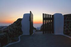 Oia-Perivoles, Santorini_ Greece