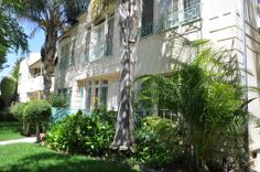 2 Bedroom Apartment For Rent in BEVERLY HILLS / 90212